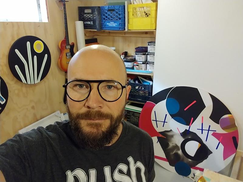 Aron Hill in his studio